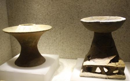 Ngắm đèn cổ hàng nghìn năm tuổi