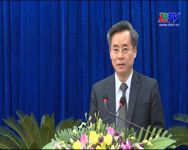 Đồng chí Nguyễn Quang Dương, Ủy viên trung ương Đảng, Bí thư tỉnh ủy phát biểu tại kỳ họp thứ 7, HĐND tỉnh khóa IX.